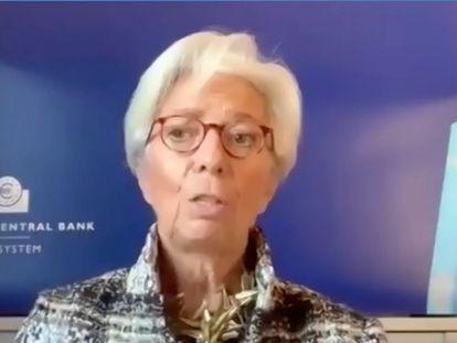 Captura de vídeo de la presidenta del BCE, Christine Lagarde, durante su intervención este lunes en el Foro de Davos.