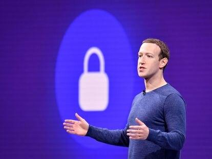 El 'consejo asesor de contenido' creado por Facebook ha empezado a emitir sus veredictos. En la imagen, Mark Zuckerberg, fundador de la compañía, en una imagen de archivo tomada en San Jose, California (EEUU) en 2018.