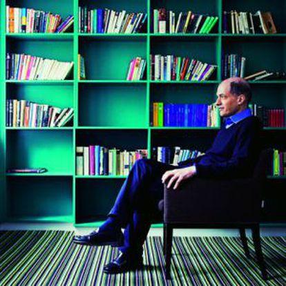 Alain De Botton.