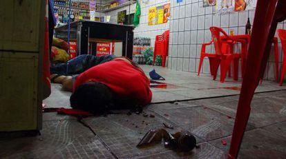 Cadáver en un bar de Osasco.