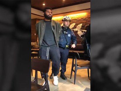 Starbucks se disculpa tras este incidente con dos ciudadanos negros en un local de Filadelfia