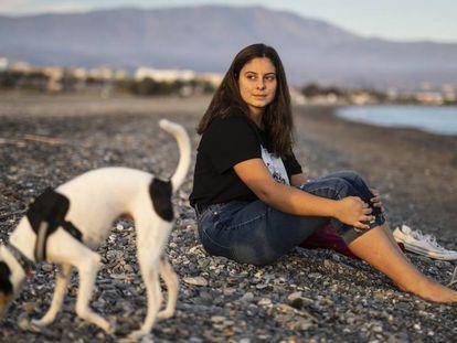 Laura, la granadina de 15 años que combate el monstruo del 'bullying'