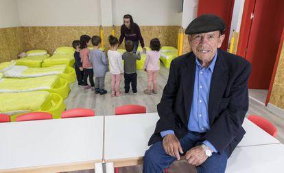 Jesús Vicente Díaz, en la nueva guardería de Piornal.
