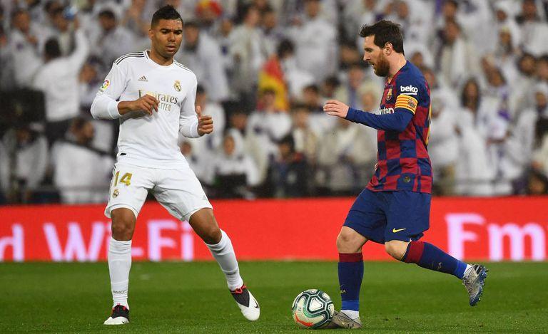 Casemiro y Messi, en el clásico del Bernabéu de esta temporada.