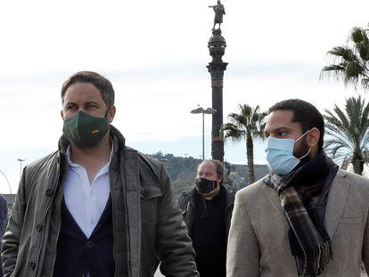 El presidente de Vox, Santiago Abascal, acompañado por el candidato del partido a las próximas elecciones catalanas, Ignacio Garriga, en Barcelona el pasado día 15.