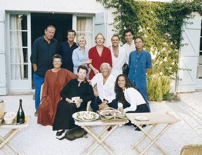 Giorgio Armani, junto a su familia.