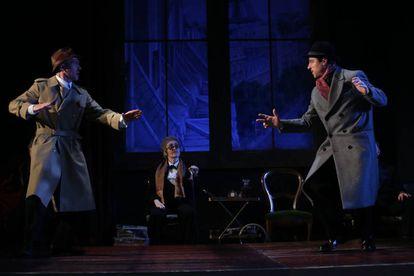 Un momento de la representación de 'Nekrassov', en el Teatro de la Abadía.