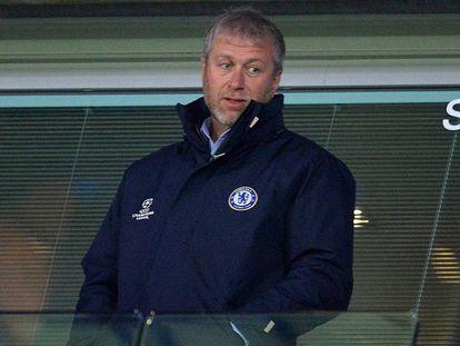 Roman Abramovich, en un partido del Chelsea en Stamford Bridge.