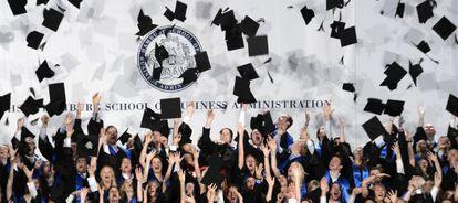 Graduación de una escuela de negocios en Hamburgo.