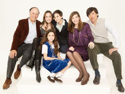 Tamara Falcó junto a sus hermanos y su padre, en una imagen compartida en Instagram tras la muerte del marqués de Griñón en marzo.