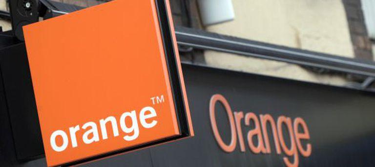 Fachada de una tienda de la compañía telefónica Orange en Madrid, en una foto de archivo.