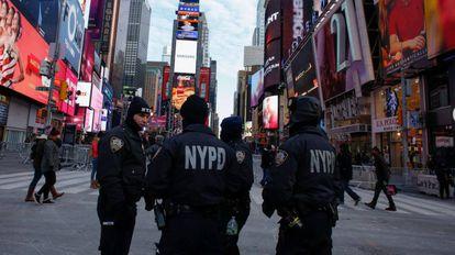Agentes de la policía de Nueva York en Times Square