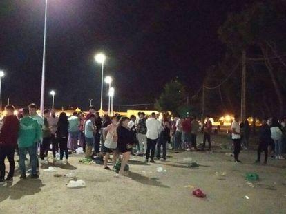 Cientos de personas se reúnen en el recinto ferial de Tomelloso (Ciudad Real).