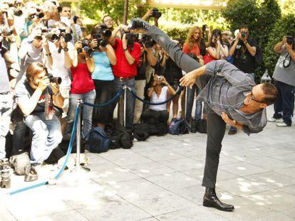 Van Damme ejecuta una patada en Madrid