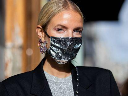 L'Oréal Paris o Maybelline New York son dos de las firmas que ofrecen máscaras de pestañas duraderas y a prueba de agua para llevar con mascarilla.