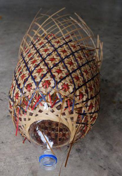 Una lámpara de Álvaro Catalán de Ocón en proceso de cración. Llenará los escaparates de Zara Home con ellas; una instalación que se mantendrá durante todo el Festival. |