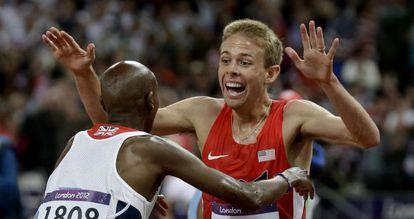 Mo Farah felicita a Galen Rupp su plata en 10.000m