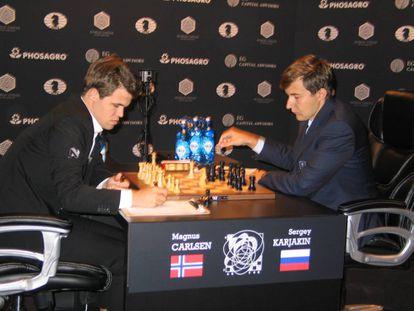Carlsen y Kariakin durante una de las partidas del Mundial de 2016 en Nueva York