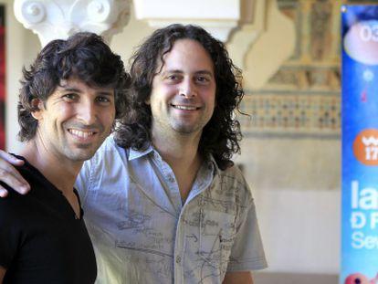 Arcángel y el director de la orquesta barroca Accademia del Piacere, Fajmi Alqhai, en la presentación de su espectáculo.
