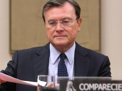 El exgobernador del Banco de España, José María Viñals en la Comisión de Investigacion sobre la crisis financiera