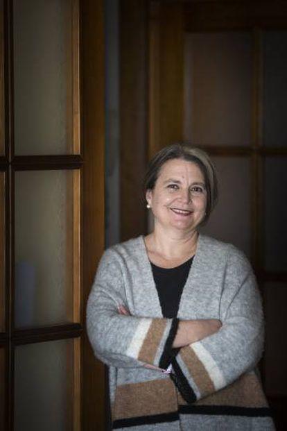 La filóloga María Elvira Roca Barea, en su casa de Málaga.