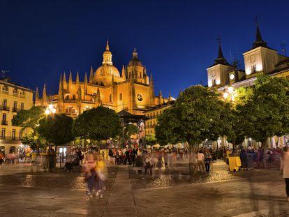La ciudad de Segovia será el principal eje de un Hay Festival que recorrerá Castilla y León.