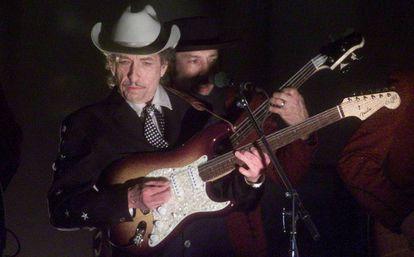 Bob Dylan en una actuación en 2002.