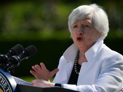 La secretaria del Tesoro de EE UU, Janet Yellen, atiende a los medios tras la reunión de este sábado del G7.
