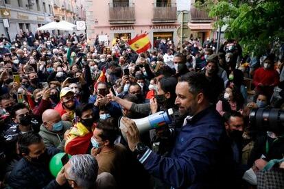 El líder de Vox, Santiago Abascal, y su candidata a la Comunidad de Madrid, Rocío Monasterio, en un acto de precampaña en San Lorenzo de El Escoral el pasado día 10.