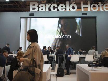 Stand de Barceló en la feria de turismo Fitur celebrada en Ifema, en Madrid.