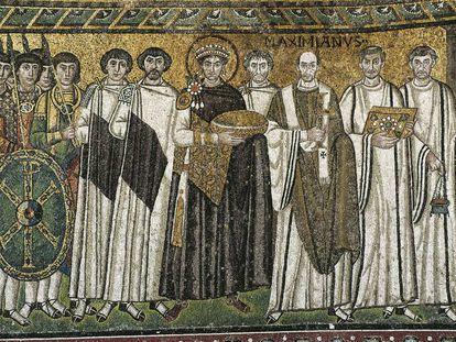 Mosaico del siglo VI del emperador Justiniano y su corte en la Basílica de San Vital en Rávena.