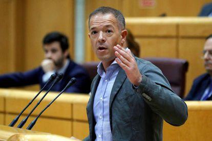El senador del PSOE Ander Gil, durante su intervención en el pleno del Senado.
