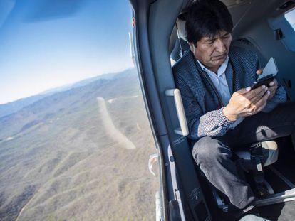 Evo Morales camino a Chuquisaca en plena campaña electoral.