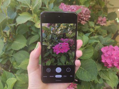 Google incorpora al nuevo Pixel 4a gran parte del 'software' de sus móviles de gama alta