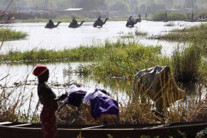 Lago Chad. Unos 20.000 nigerianos han huido hacia Chad, Niger o Camerún en las últimas semanas ante los ataques continuados de Boko Haram a sus aldeas.