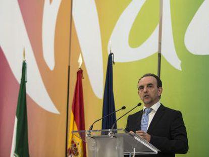 Rafael Rodríguez presenta el plan director del turismo.