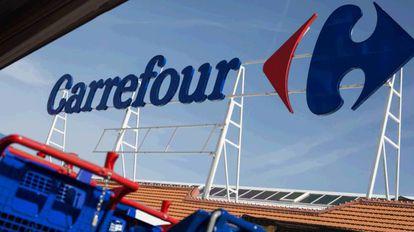 Hipermercado 24 horas de Carrefour en Vallecas, Madrid.