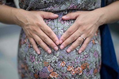Una mujer embarazada durante el estado de alarma.