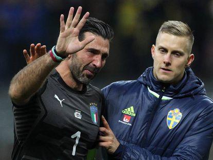 Buffon se despide con lágrimas en los ojos.