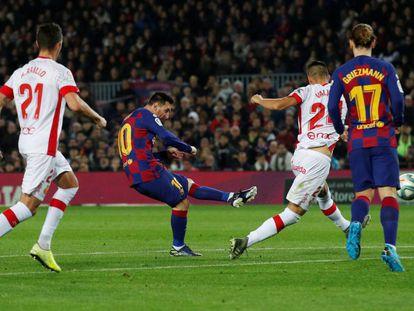 Messi marca su segundo gol ante el Mallorca.