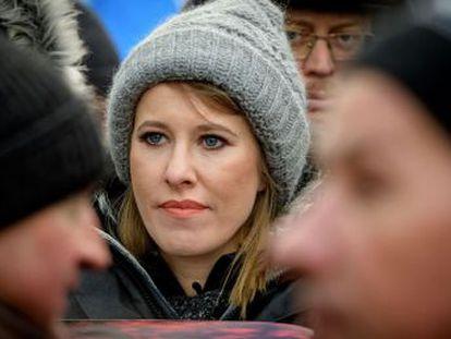 Ksenia Sobchak se enfrenta a insultos y descalificaciones en una sociedad muy sexista.  ¡Saquen a esta prostituta! , le llegó a gritar el aspirante ultranacionalista