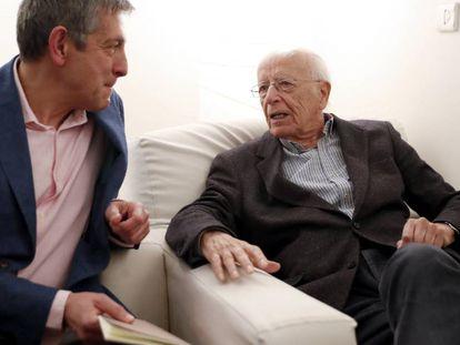 Emilio Lledó, a la derecha, y Cipriano Játiva, este martes en Madrid.