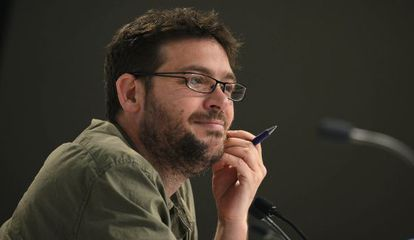 Albano Dante Fachín, candidato a las primarias de Podem, este miércoles, en una rueda de prensa.