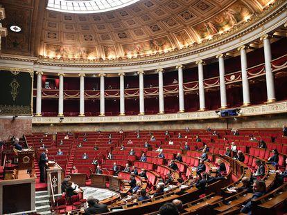El primer ministro francés Edouard Philippe, durante la presentación del plan de desescalada en la Asamblea Nacional.