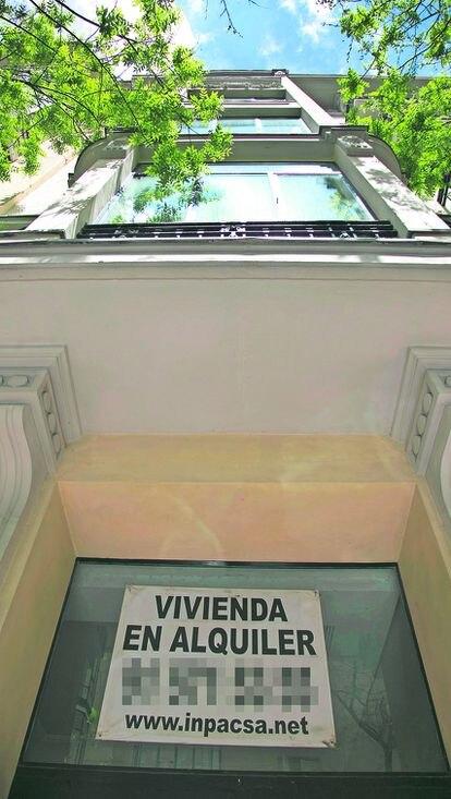 Anuncio de un piso en alquiler en Madrid.