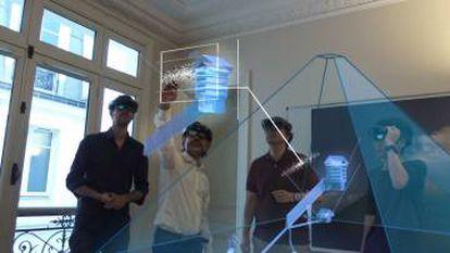 El equipo de ScanPyramids utiliza realidad aumentada para ver el 'vacío' de Keops.