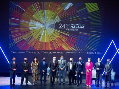 A la derecha, el director del Festival de Málaga, Juan Antonio Vigar, junto al alcalde de la ciudad y otras autoridades en la presentación de la nueva edición del festival.