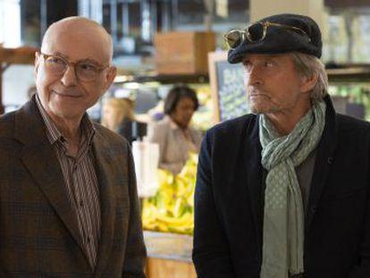 Michael Douglas y Alan Arkin protagonizan la nueva comedia de Chuck Lorre