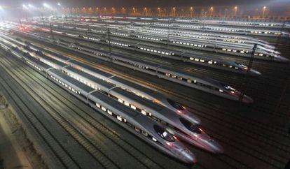 Trenes de alta velocidad en una estación de China.