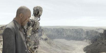 Antonio Banderas en una escena de 'Autómatas'.